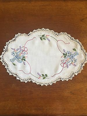 Vintage Hand Embroidered Linen Duchess / Doily/ Dining Table Crochet Edge