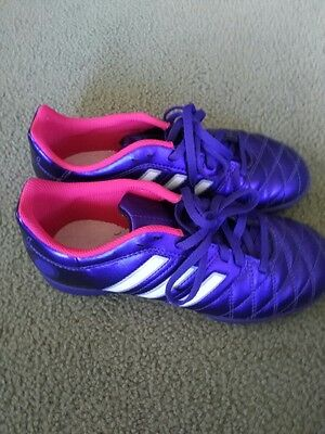 Excellent condition Adidas Questra Sports Shoes size US3.5, UK3, Euro 35.5