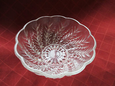 1930s patterned raised relief glass bowl