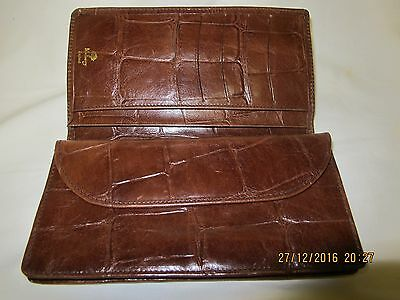Mulberry Congo Leather Wallet /Purse with insided zipped compartment. New