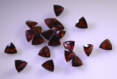 Garnet faceted Red Trillion gems 5x5 1 pc