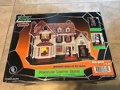 Spooky Town Lemax Spookiest House on the Block Lighted Porcelain Halloween NEW
