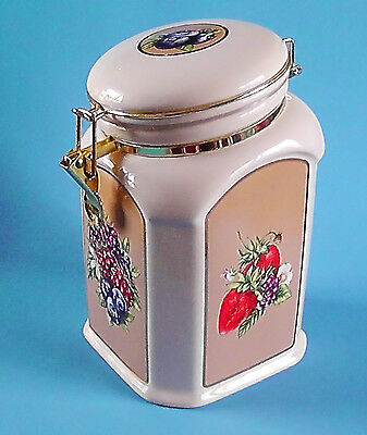 Knotts Berry Farm Ceramic Locking & Sealing Canister Cookie Biscuit Jar Fruit