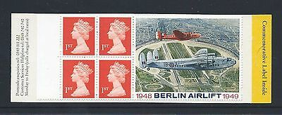 """Gb 1999 Booklet With 4 X 1St Machin Stamps And """"berlin Airlift"""" Label (Sg Hb17)"""