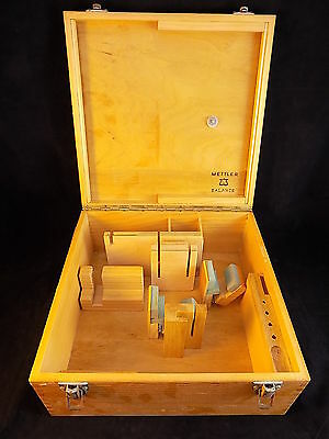 METTLER BALANCE TOLDEO SCALE wooden storage Box Model 525579 made in Switzerland