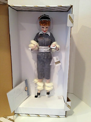 "I LOVE LUCY Franklin Mint ""Lucy Does a TV Commerical"" Vitameatavegamin 18"" Porce"