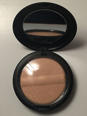 Mac - Poudre Studio Sculpt - Defining Powder - Light Plus