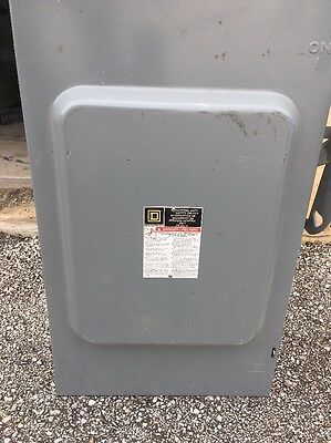 Square D 200 Amp 240 VAC General Duty D224N fusible Safety Switch Disconnect