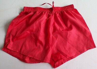 Short polyamide rouge taille L/XL