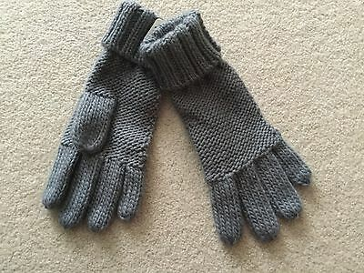 Boys or girls grey knitted gloves from Next size 3 4 5 6 years BNWT