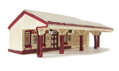 Model Trains N SCALE -Bluebell Platform Waiting room -Graham Farish LAYOUT READY