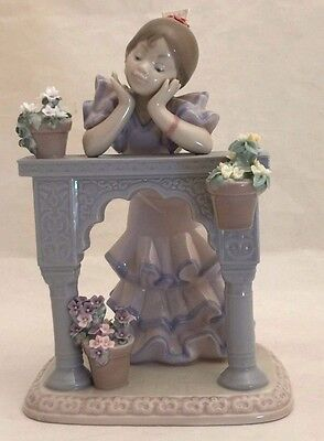 "LLADRO ""Perfect Day""  Porcelain Figurine 6480"