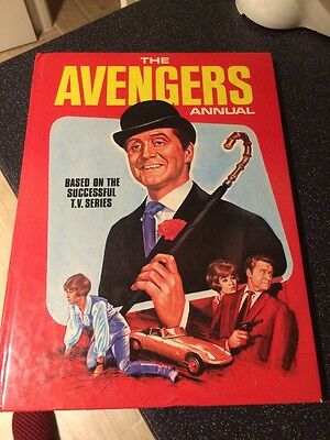 The AVENGERS Annual 1968 1969 Very Rare VINTAGE Cult TV BOOK.