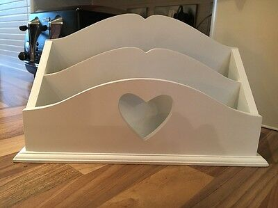White Shabby Chic Heart Vintage Look Wooden Letter Tidy Rack Organiser Holder