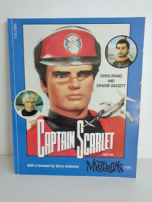 VINTAGE 1993 CAPTAIN SCARLET BOOK with POSTCARD **SIGNED BY GERRY ANDERSON**