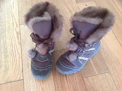 Child's Snow Boots Size 2