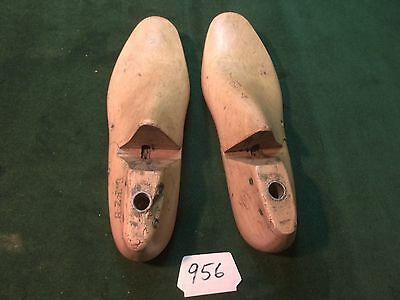 Vintage Pair Wood Size 7-1/2-4 #630 Arnold Weymouth,Mass. Shoe Factory Last #956