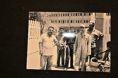 EARLY OPERATION IRAQI FREEDOM 1st ARMORED DIVISION PHOTO - SOLDIER WITH IRAQIS