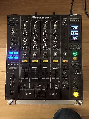 Pioneer DJM 800 Professional 4 Channel Mixer And Flight Case