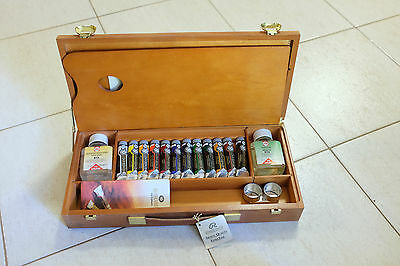 Rembrandt oil paint wooden box set