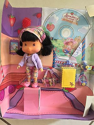 Strawberry Shortcake Talkin Giggle Friends Doll Gingersnap Goin Places