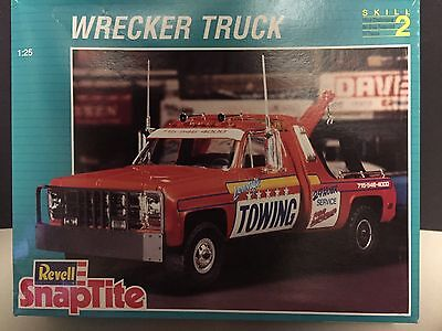 Revell Snaptite 1:25 Tow Truck