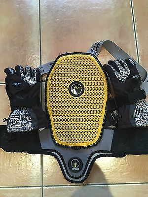 Forcefield Flyer Back Protector & Level Junior Fly Snowboarding Gloves XS size 5