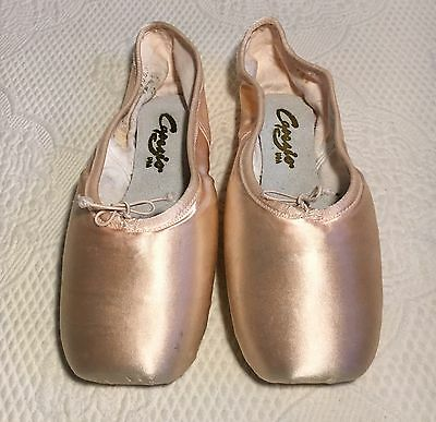 Capezio Ballet Slippers Pointe Shoes Pink Satin 6.5M Preowned