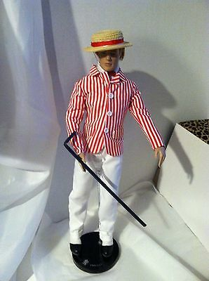 "Tonner MATT O'NEIL 17"" Vinyl Doll in Victorian Holiday Ensemble w/Hat +Stand"
