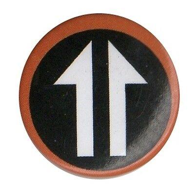 Mod Pop Art Arrow Keith Moon Who style 1 inch Button Pin Badge Parka Scooter
