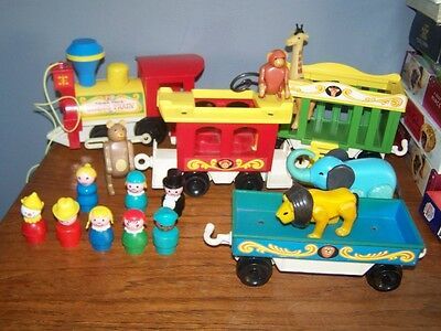 Vintage Fisher Price Circus Train, 1970s people etc lovely