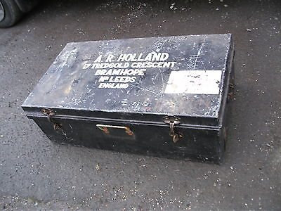 Old  metal luggage trunk, coffee table, upcycle project, delivery possible