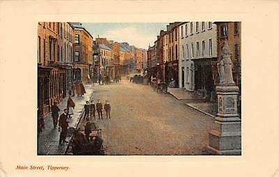 Ireland Tipperary, Main Street, animated, carriages, statue