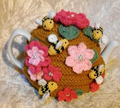 Hand Knit Bee Hive Tea Cosy Medium 4-6 Cup Pink