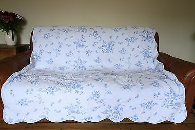 Vintage Toile De Jouy Blue And White Quilted Bedspread Birds Flowers
