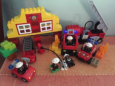 Lego Duplo 6138 Fire Station,4977 Fire Truck & 5603 Fire Chief