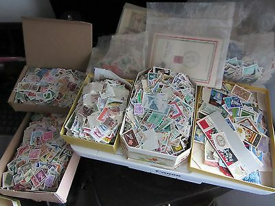 250 Pcs Lot Of Used World Stamps Off Paper - Free Shipping From Hungary