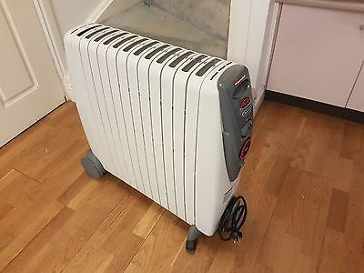 Portable Electric Oil Filled Column Heater 2400 Watt Automatic Thermostat