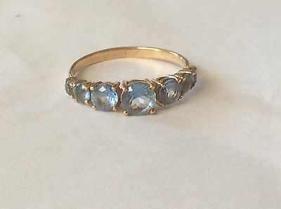 BEAUTIFUL 9cT POSSIBLY TOPAZ 5 STONE VINTAGE RING. SIZE P