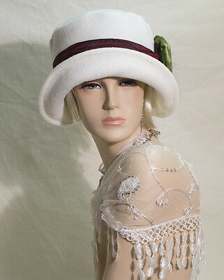 VINTAGE INSPIRED 1920s 30s OFF WHITE FLEECE STYLE CLOCHE HAT  GATSBY