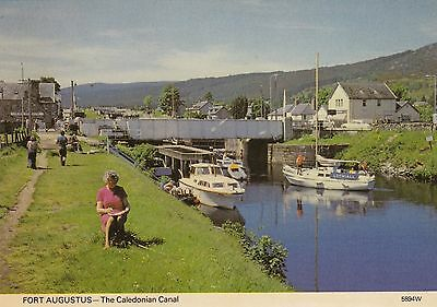 Postcard - Fort Augustus - The Caledonian Canal