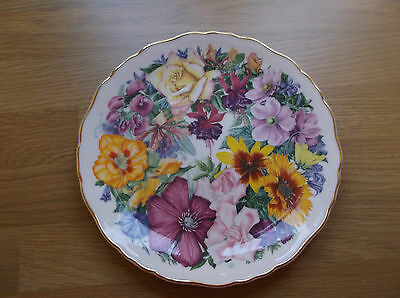 Royal Albert Collectors Plate Birthday Bouquet  For the Queen Mother 3290A