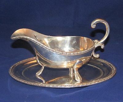 VINTAGE SILVER PLATED SAUCE BOAT GRAVY PAW FEET WITH STAND Viners of Sheffied
