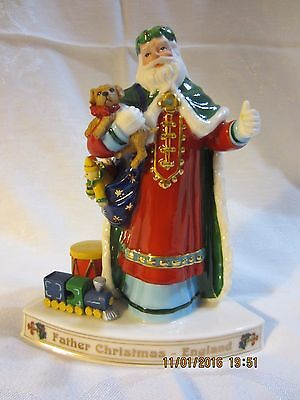 "Danbury Mint--Santa's Around the World--  ""Father Christmas-England""***B***"
