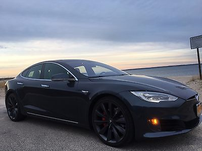 2016 Tesla Model S  Barely Used - Mint Condition 2016 Tesla Model S P90D - Midnight Silver Metallic