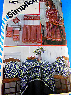 VINTAGE SIMPLICITY 269 6354 SNOWFLAKE EMBROIDERY on GINGHAM FABRICS UNCUT FFold