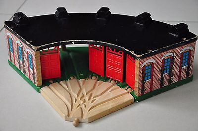 THOMAS TANK ENGINE Wooden Tidmouth Sheds Roundhouse