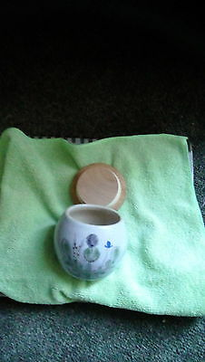 Buchan Stoneware Thistle pattern dish with lid