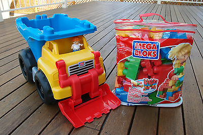 Mega Bloks Scoop 'n Dump Truck + 95 Blocks Set - Used - In Very Good Condition