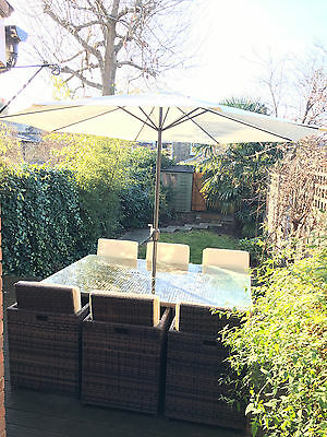 6 seater Dining Cube Set, synthetic rattan, umbrella, original cover & cushions.